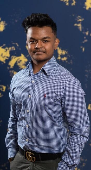 Laxushan Yogalingam, Lernender Informatiker EFZ